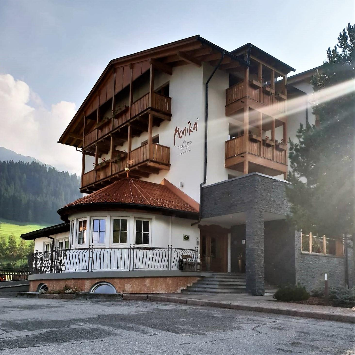 Hotel Monika - Dolomites