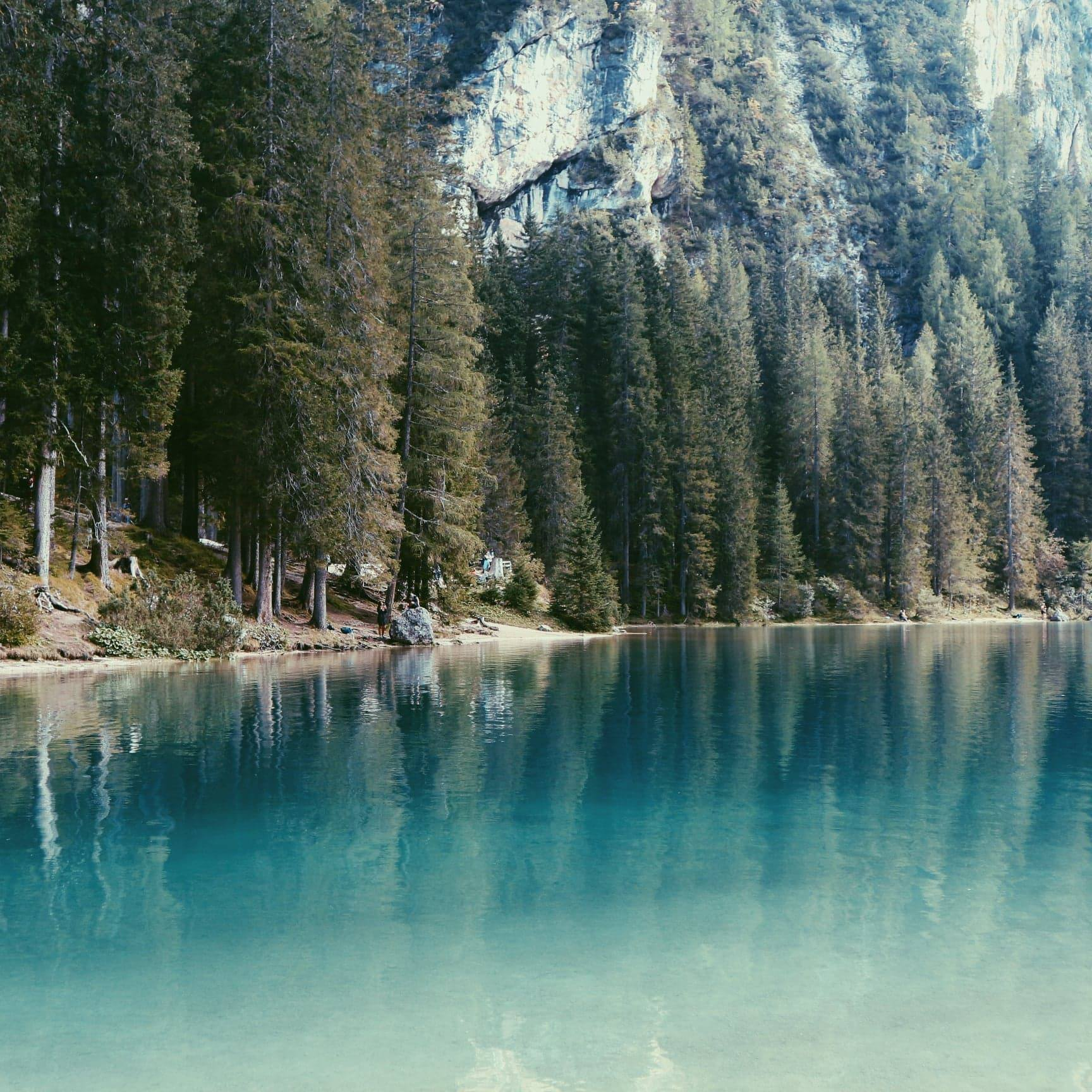 Lac de Braies nature - Dolomites